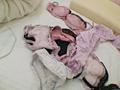 ピンクの衣類が多いギャルの部屋