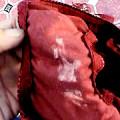 女子校生のパンティーの汚れは強烈ですね